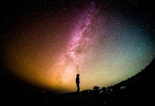 man.stars.unsplash